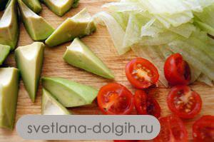 нарезать овощи для диетического салата