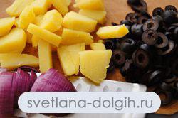 подготовить ингредиенты для картофельного салата