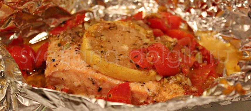 рыба запеченная с помидорами в фольге