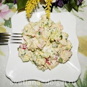 Салат из огурца, редиски