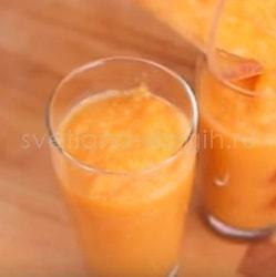 Как сделать смузи из моркови, банана и яблока