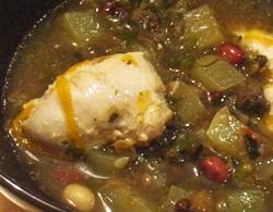 Супчик с бобами, кабачком и куриным филе