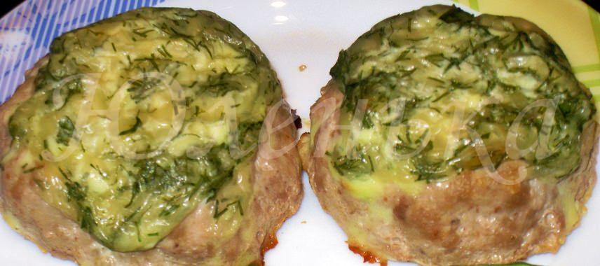 Гнёзда из фарша начинённые сыром , овощами и зеленью