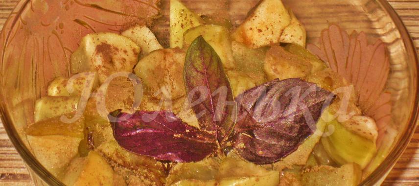 Десерт из яблок с мёдом и корицей