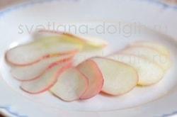 Десерт из свежих персиков